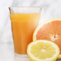 """Marisa Vara Arredondo on Instagram: """"It's a happy Monday! Starting the day off with fresh squeezed grapefruit, orange and lemon juice. Alkaline perfection loaded with the antioxidant Vitamin C for building immunity on the inside, and collagen on the outside. #thephacelife #ph #phbalance #clearskin #healthyskin #alkaline #fresh #pure #natural #skin #skincare #nontoxic #selflove #detox #mindfulness #lifestyle #vitaminc"""""""
