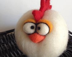 Custom Needle Felted Micro Easter or Anytime Chicken Rooster, needle felted chicken. Approximately 3 inches tall. Customize your chicken, convo me a colour preference if you wish. Price is for 1 chick. Felt Diy, Handmade Felt, Felt Crafts, Fabric Crafts, Clay Crafts, Needle Felted Animals, Needle Felting, Felt Snowman, Snowman Tree