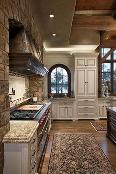 Are you looking for rustic kitchen design ideas to bring your kitchen to life? I have here great rustic kitchen design ideas to spark your creative juice. Style At Home, Luxury Kitchens, Cool Kitchens, Custom Kitchens, Dream Kitchens, Modern Kitchens, Home Design, Design Ideas, Interior Design