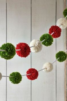 Quirky and colourful, our pom pom garland adds a wee bit of fun to your Christmas decor. Christmas Pom Pom Crafts, Diy Christmas Garland, Easy Christmas Decorations, Christmas Projects, Simple Christmas, Holiday Crafts, Pom Pom Decorations, Spring Crafts, Christmas Holiday