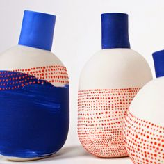 Painted ceramic vases by l'atelier des garcons. Hmmmmmmm… The red dots over blue. Love the repeat of dots in a different way on this piece. Ceramic Clay, Ceramic Vase, Ceramic Pottery, Slab Pottery, Thrown Pottery, Porcelain Ceramic, Pottery Vase, Pottery Painting, Ceramic Painting