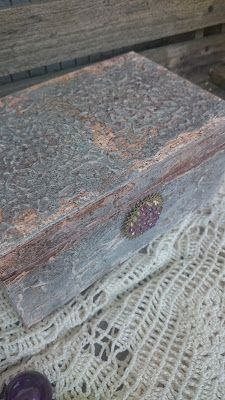 Na starej ławce : Zrobiona na szaro