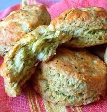Feta, Dill and Greek Yogurt Biscuits Recipe by Dragon Light fluffy biscuits are a great canvass for different flavour combinations. Oatmeal Biscuits, Cinnamon Biscuits, Flaky Biscuits, Drop Biscuits, Biscuits And Gravy, Homemade Biscuits, Yogurt Biscuit Recipe, Dill Bread Recipe, Vegetarian
