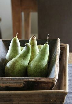 #springforpears and #usapears Pears
