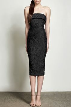 Preorder Britt Strapless Black Cotton Dress by Alex Perry / PRECOUTURE.COM - The 1st European website allowing you to preorder the looks straight from the runway. Buy your look now