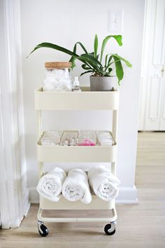 14 Smart Ways To Organize Your Bathroom For Cheap - The Smallest Step