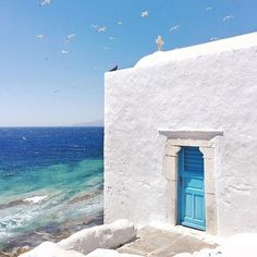So many blues. Stunning views in Mykonos, Greece.  Photo by @jackieruedaphotography
