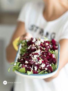 Sałatka z buraków ❤ - Ale Babka!!! i robi to co lubi:) Salad Recipes, Vegan Recipes, Vegan Food, European Dishes, Food Art For Kids, Vegan Cafe, Tasty Dishes, I Love Food, Food Porn