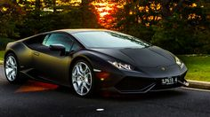 Can you live with a Lambo? Matt Campbell tries out the new Lamborghini Huracan to find out. Lamborghini Ankonian, 2015 Lamborghini Huracan, Green Lamborghini, Lamborghini Photos, Sports Car Brands, Toyota, High End Cars, Top Luxury Brands, Porsche Cars