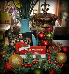 Ashley's Avenue: My Christmas Decor & Friends Giveaway!