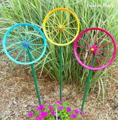Looking for a cheap and easy creative way to add color to your front or back yard? check out this quick idea to repoupose doll carriage wheels to make your garden more fun perfect as an outdoor kids activity as well. Concrete Bird Bath, Concrete Garden, Amazing Flowers, Pretty Flowers, Outdoor Garden Decor, Outdoor Ideas, Outdoor Crafts, Patio Ideas, Backyard Ideas