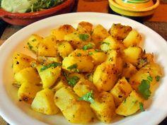 Ingredientes para 4 personas     2 patatas grandes o 3 medianas (unos 600 gr.)   1 cucharada de aceite de oliva   1/2 cucharadita ...