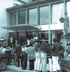 BLAA 50 años · Una biblioteca que crece con su público Grow Taller
