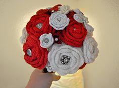 Hooking on Madrid's Metro: How to Make a Crochet Flower Bouquet Crochet Bridal Bouquet