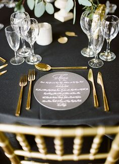 Black and gold table setting #flatware #gold #goldwedding #blackwedding #tablesetting