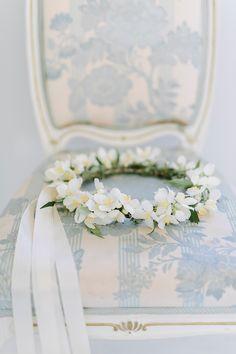 Gorgeous Boho Wedding Floral Crown - photo by Destination Wedding Photographer Linda-Pauline Pehrsdotter in Sweden