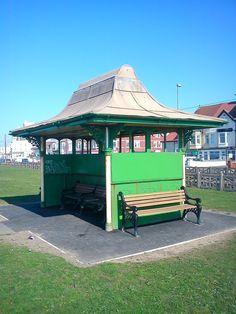 Bispham tram shelter