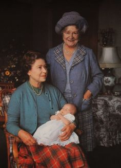 Queen Elizabeth II holding new granddaughter Princess Beatrice with Queen Elizabeth I, The Queen Mother