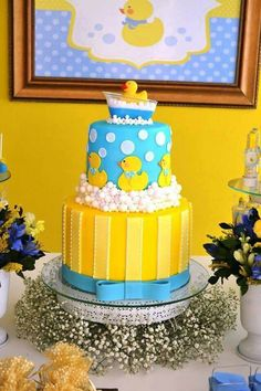 34 ideas for baby shower ideas rubber ducky gender reveal Rubber Duck Cake, Rubber Ducky Party, Rubber Ducky Birthday, Rubber Ducky Baby Shower, Baby Shower Duck, Baby Shower Gender Reveal, Baby Shower Cakes, Baby Shower Themes, Shower Ideas