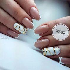 french nails tips Oval Diy Nails, Cute Nails, Pretty Nails, Swag Nails, French Nail Designs, Cool Nail Designs, Gold Manicure, Uñas Fashion, Nagel Hacks