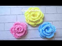 Learn to crochet beautiful roses. These roses are gorgeous, wonderful and creative. You have to crochet many of these and can decorate many things. Say which color you choose. Crochet Boots, Crochet Poncho, Crochet Granny, Crochet Stitches, Crochet Patterns, Tutorial Rosa, Flower Video, Tissue Paper Flowers, Crochet Videos