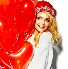 Beautiful girl with red balloons Happy B Day, Happy Summer, Gifs, Beautiful Roses, Beautiful Images, Beautiful Ladies, Happy Valentines Day Gif, Happy Lohri, 38th Birthday