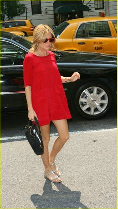 Casual Summer Outfits, Casual Wear, Cute Outfits, Sienna Miller Style, Red Sunglasses, Maternity Fashion, Maternity Style, Kinds Of Clothes, Spring Summer Fashion
