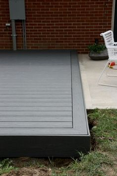 ✔ 39 creative deck patio design you should try 33 > Fieltro.Net ✔ 39 creative deck patio design you should try 32 Concrete Patios, Deck Over Concrete, Wood Patio, Wood Decks, Small Backyard Decks, Decks And Porches, Backyard Patio, Small Patio, Backyard Layout