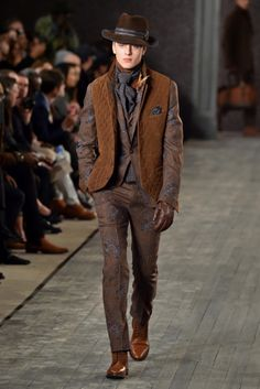 http://chicerman.com  rickysrunway:  Joseph Abboud Mens RTW Fall 2016  #summerlook