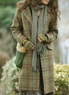 Mitten to go with Tweed, not a bad idea… 36 Amazing Casual Style Looks That Always Look Great – Mitten to go with Tweed, not a bad idea… Source Mode Outfits, Fall Outfits, Fashion Outfits, Womens Fashion, Petite Fashion, Curvy Fashion, Mode Style, Style Me, Mode Country
