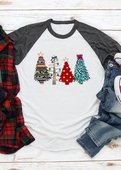 Leopard Printed Christmas Tree T-Shirt Tee - White - Fairyseason Christmas Tee Shirts, Christmas Sweaters, Christmas Outfits, Christmas Clothes, Christmas Presents, Christmas Trees, Christmas Decor, White Fashion, Pop Fashion