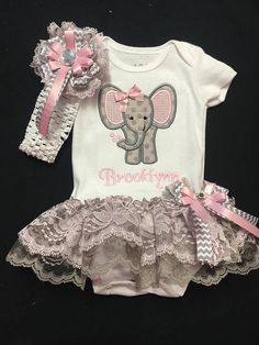 This cute outfit has an appliquéd elephant with a ribbon bow sewn on and features double lace in gray and pink. I have other colors of lace. If you have another color option plz message me. If you prefer single lace there is a listing in my shop At checkout leave me the monogram info