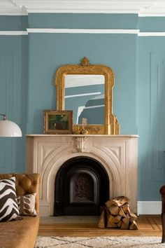 Are you considering a new paint color for your walls in your home? Aegean teal is the perfect color to add sophistication to your walls and wall trim. Keep reading as we share 11 ways to use Benjamin moore's 2021 color of the year Aegean teal. Hadley Court Interior Design Blog by Central Texas Interior Designer, Leslie Hendrix Wood
