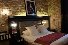 Tonic Hotel Saint Germain des Prés is located in Paris' Saint-Germain quarter, just 820 feet from Odéon and 1148 feet form the Luxembourg Gardens. St Germain Paris, Destin Hotels, Luxembourg Gardens, Paris Hotels, Top Hotels, Free Wifi, Hotel Reviews, Trip Advisor, Building