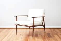 1960s mid century chair, danish chair, mid century lounge chair, modern chair, beautiful white midcentury arm chair, Viko Furniture Corp., vintage