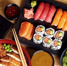Our kind of dinner plate What are you guys having for dinner? Follow @makesushi1 for more sushi & go to www.makesushi.com/?utm_content=buffer05538&utm_medium=social&utm_source=pinterest.com&utm_campaign=buffer for more recipes Pic via @youmesushi