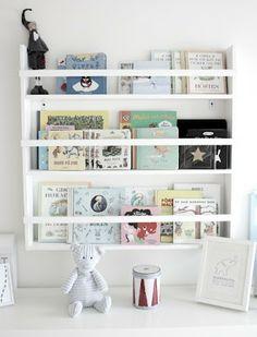Reading corner and bookshelves for kids room Bookshelves Kids, Book Shelves, Book Storage, Sweet Home, Kids Corner, Kid Spaces, Kids Decor, Girl Room, Room Inspiration
