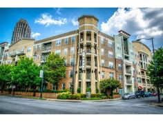 390 17th Street - Live in Atlantic Station. Phenomenal access to shopping, dining & entertainment. Walk to GA Tech, Target, Publix, IKEA, MARTA, Midtown, Piedmont Park. Expansive roommate floor plan in the Element. Rare walk-out exterior access to 17th St. Oversized Master ste w/ private patio access, expansive bath & walk-in closet. Large kitchen living rm combo, separate dining rm. Secured, gated, 2 deeded parking, excellent amenities: sparkling pool, clubroom, fitness center, pet walk.