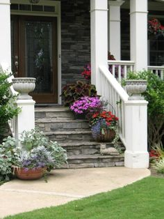 Our Front Yard, Front yard landscaping, containers, front porch, Containers on front steps.  Somehow this got flipped., Gardens Design