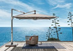 The Freedom umbrella introduces total flexibility when it comes to positioning in the outdoor space, thanks to its wheels which ensure easy movement. Freedom can also swivel 360° and is easy to direct