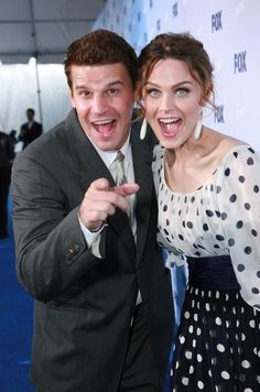 David Boreanaz and Emily Deschanel i wish they were really married they have the best chemistry i want that