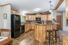 Commodore Homes of Pennsylvania Astro Ranch -  - 3A255A | Hickory Kitchen
