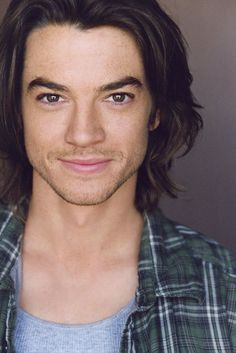 Craig Horner - On my list for those wonderfully expressive eyes and smoking hot body. Check him out in Legend of the Seeker.