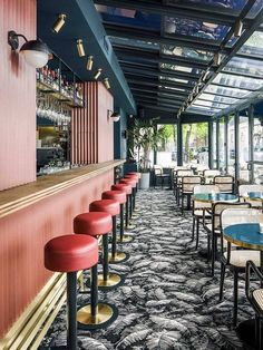 Bar and Restaurant Ideas you need to know and get inspired to do your own vintage industrial restaurant at home