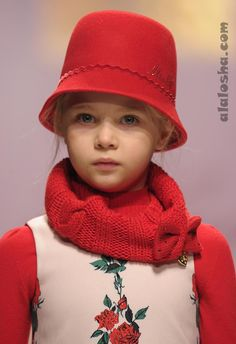 ALALOSHA: VOGUE ENFANTS: MISS BLUMARINE FW'14 CATWALK