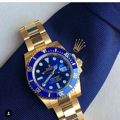 Blue on Blue: Rolex Submariner Gold.