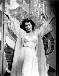 """Elizabeth Taylor in """"Elephant Walk"""" (1954)."""