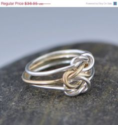 Driedubbele liefde knoop Ring zilveren door TheJewelryGirlsPlace