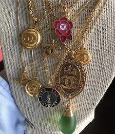 Find images and videos about jewelry, chanel and necklaces on We Heart It - the app to get lost in what you love. Cute Jewelry, Gold Jewelry, Jewelry Box, Jewelry Accessories, Jewlery, Bullet Jewelry, Trendy Jewelry, Simple Jewelry, Jewelry Bracelets