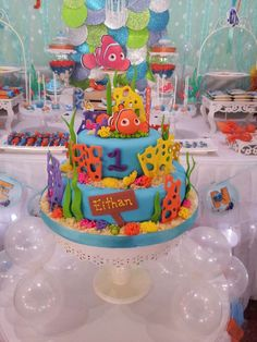 Finding Nemo birthday party cake! See more party ideas at CatchMyParty.com!